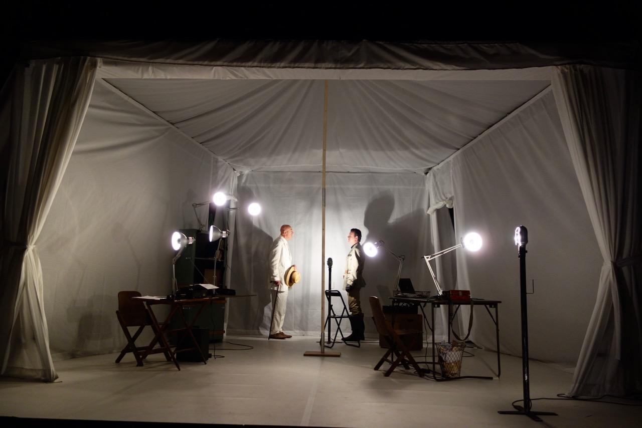 Toiles en scène - Nathalie Desbruères